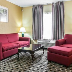 Отель Clarion Inn & Suites Northwest комната для гостей фото 4