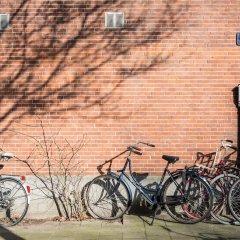Отель Kith & Kin Boutique Apartments Нидерланды, Амстердам - отзывы, цены и фото номеров - забронировать отель Kith & Kin Boutique Apartments онлайн спортивное сооружение