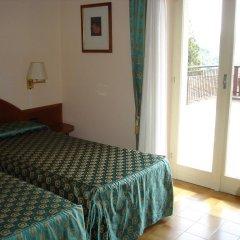 Отель Albergo Ristorante Carenno Каренно комната для гостей фото 2