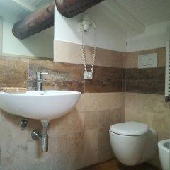 Отель Poderi Arcangelo Италия, Сан-Джиминьяно - 1 отзыв об отеле, цены и фото номеров - забронировать отель Poderi Arcangelo онлайн ванная