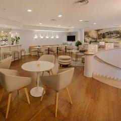 Отель NH Genova Centro Генуя гостиничный бар