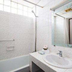 Отель Ruamchitt Travelodge Бангкок ванная фото 2