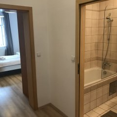Отель Slavojova ApartMeet Прага ванная фото 2