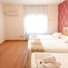 Отель Hostal Abami Ii Мадрид комната для гостей