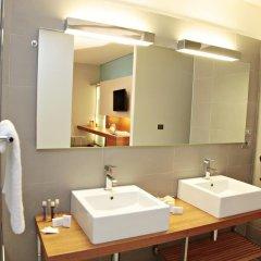 Отель Cosmopolitan Hotel Италия, Чивитанова-Марке - отзывы, цены и фото номеров - забронировать отель Cosmopolitan Hotel онлайн ванная фото 2