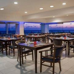 Royal Blue Hotel Paphos гостиничный бар