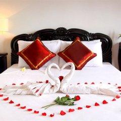 Отель Phu Thinh Boutique Resort And Spa Хойан сейф в номере