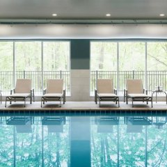 Отель Northwood Inn & Suites Блумингтон бассейн