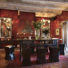 Отель Hôtel Saint Amour La Tartane гостиничный бар