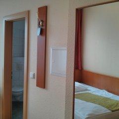 Отель Britzer Tor Германия, Берлин - отзывы, цены и фото номеров - забронировать отель Britzer Tor онлайн комната для гостей фото 4