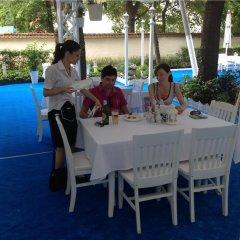 Отель Kalofer Hotel Болгария, Солнечный берег - 1 отзыв об отеле, цены и фото номеров - забронировать отель Kalofer Hotel онлайн бассейн фото 2