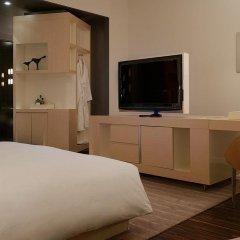 Отель Andaz Wall Street - A Hyatt Hotel США, Нью-Йорк - отзывы, цены и фото номеров - забронировать отель Andaz Wall Street - A Hyatt Hotel онлайн удобства в номере фото 2
