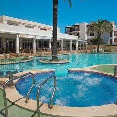 Отель Apartamentos Cala d'Or Playa бассейн