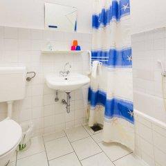 Отель City-Hotel Ansbach am Kurfürstendamm Германия, Берлин - 1 отзыв об отеле, цены и фото номеров - забронировать отель City-Hotel Ansbach am Kurfürstendamm онлайн ванная