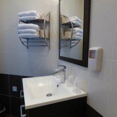 Отель SoHotel Франция, Сомюр - отзывы, цены и фото номеров - забронировать отель SoHotel онлайн ванная