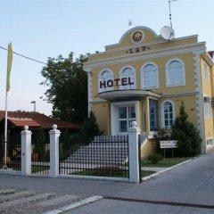 Отель Lav Сербия, Белград - отзывы, цены и фото номеров - забронировать отель Lav онлайн вид на фасад