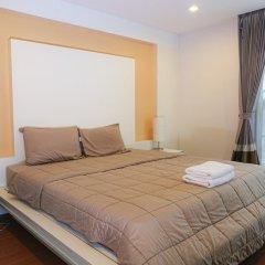 Отель 4 BR Private Villa in V49 Pattaya w/ Village Pool Таиланд, Паттайя - отзывы, цены и фото номеров - забронировать отель 4 BR Private Villa in V49 Pattaya w/ Village Pool онлайн комната для гостей фото 3