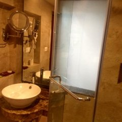 Отель Hilltake Wellness Resort and Spa Непал, Бхактапур - отзывы, цены и фото номеров - забронировать отель Hilltake Wellness Resort and Spa онлайн ванная