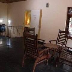 Отель French Garden Tourist Rest Анурадхапура балкон