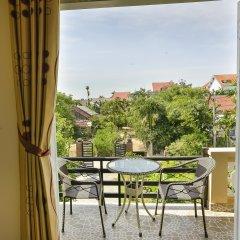 Отель Strawberry Garden Homestay балкон