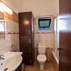 Отель Tonia Villas Кипр, Протарас - отзывы, цены и фото номеров - забронировать отель Tonia Villas онлайн ванная