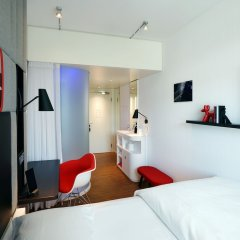 Отель citizenM Zürich комната для гостей