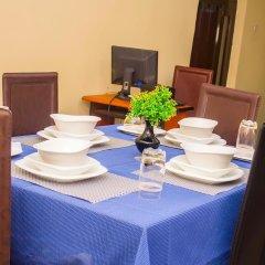 Отель Keves Inn and Suites Нигерия, Калабар - отзывы, цены и фото номеров - забронировать отель Keves Inn and Suites онлайн питание