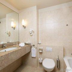 Отель Courtyard by Marriott Brussels Бельгия, Брюссель - отзывы, цены и фото номеров - забронировать отель Courtyard by Marriott Brussels онлайн ванная