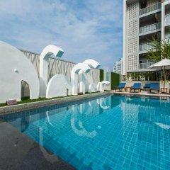 Отель Ramada by Wyndham Phuket Deevana Patong бассейн фото 4
