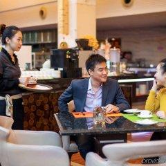 Отель St.Helen Shenzhen Bauhinia Hotel Китай, Шэньчжэнь - отзывы, цены и фото номеров - забронировать отель St.Helen Shenzhen Bauhinia Hotel онлайн гостиничный бар