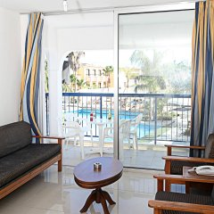 Отель Tsokkos Holiday Hotel Apartments Кипр, Айя-Напа - 1 отзыв об отеле, цены и фото номеров - забронировать отель Tsokkos Holiday Hotel Apartments онлайн комната для гостей фото 3