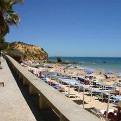 Отель Aqua Mar - Moon Dreams Португалия, Албуфейра - отзывы, цены и фото номеров - забронировать отель Aqua Mar - Moon Dreams онлайн пляж