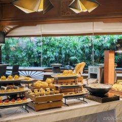 Отель Avani Pattaya Resort питание фото 3