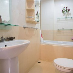Отель Happys Guesthouse Pattaya Таиланд, Паттайя - отзывы, цены и фото номеров - забронировать отель Happys Guesthouse Pattaya онлайн ванная