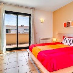 Отель Apartamento Vivalidays Mari Испания, Льорет-де-Мар - отзывы, цены и фото номеров - забронировать отель Apartamento Vivalidays Mari онлайн комната для гостей