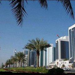 Отель Crowne Plaza Dubai ОАЭ, Дубай - отзывы, цены и фото номеров - забронировать отель Crowne Plaza Dubai онлайн пляж фото 2