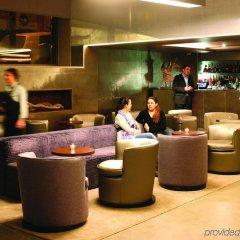 Neya Lisboa Hotel гостиничный бар