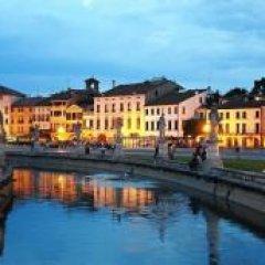 Отель Castello di Lispida Италия, Региональный парк Colli Euganei - отзывы, цены и фото номеров - забронировать отель Castello di Lispida онлайн приотельная территория фото 2