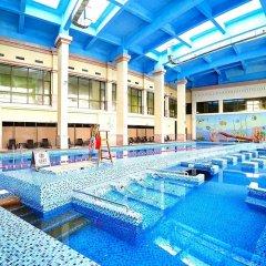 Отель Tongli Lakeview Hotel Китай, Сучжоу - отзывы, цены и фото номеров - забронировать отель Tongli Lakeview Hotel онлайн бассейн фото 2
