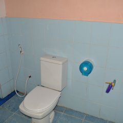 Отель Tams Guesthouse Самуи ванная
