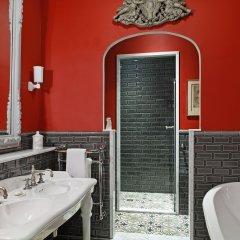 Отель Saint James Paris ванная фото 2