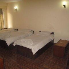Отель Kathmandu Madhuban Guest House Непал, Катманду - 1 отзыв об отеле, цены и фото номеров - забронировать отель Kathmandu Madhuban Guest House онлайн сейф в номере