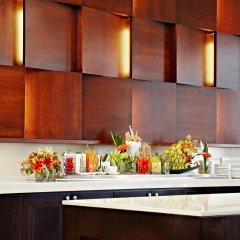 Отель Sheraton Centre Toronto Hotel Канада, Торонто - отзывы, цены и фото номеров - забронировать отель Sheraton Centre Toronto Hotel онлайн питание