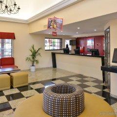 Отель Best Western Plus Raffles Inn & Suites интерьер отеля