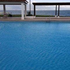 Отель Sunrise Villa On The Beach бассейн