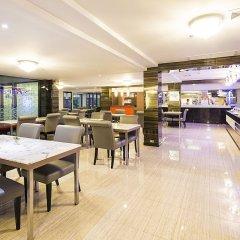 Отель Aspen Suites Бангкок гостиничный бар
