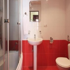 Отель Family ванная фото 3