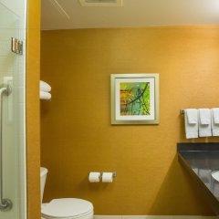Отель Fairfield Inn & Suites by Marriott Columbus OSU США, Колумбус - отзывы, цены и фото номеров - забронировать отель Fairfield Inn & Suites by Marriott Columbus OSU онлайн ванная фото 2