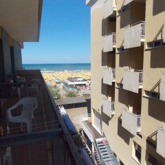 Hotel Ghirlandina Римини балкон
