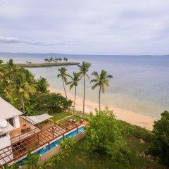 Отель First Landing Beach Resort & Villas пляж фото 2
